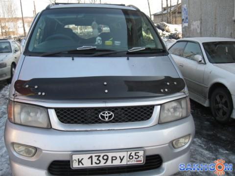 Toyota Hiace Regius.
