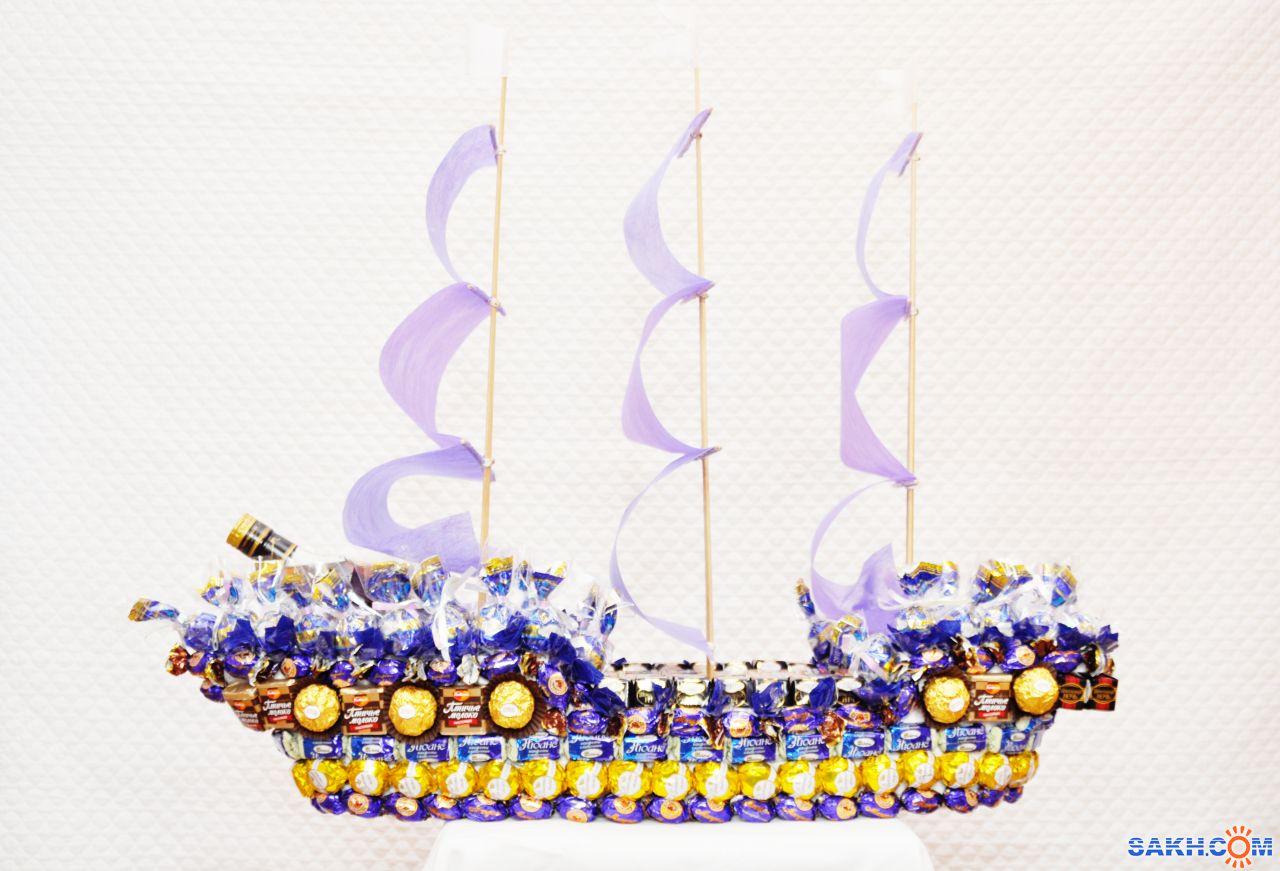 Корабль из конфет с бутылкой пошаговое фото