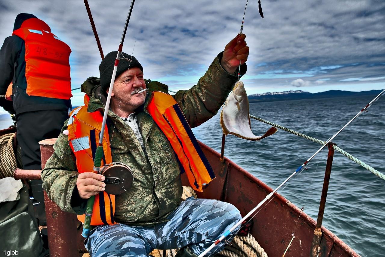 1glob: рыбалка в Охотском море
