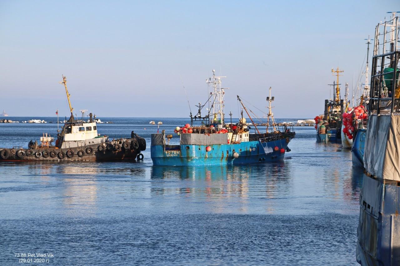 7388PetVladVik: Порт  Невельск.