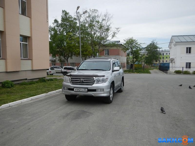 патриотдемократ: фото авто на детской площадки до замечания