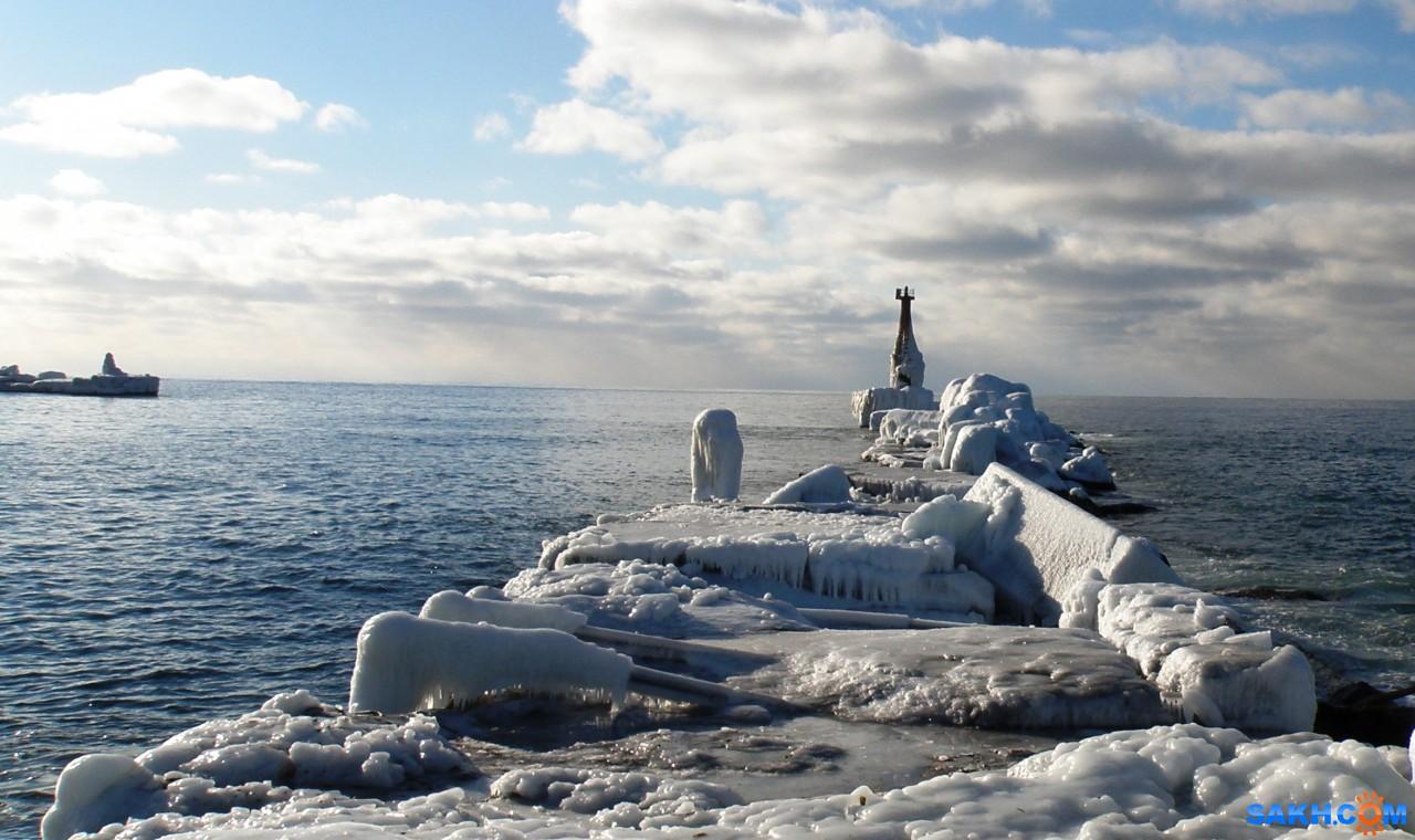 tasya: Маяк и створы в порт Холмска