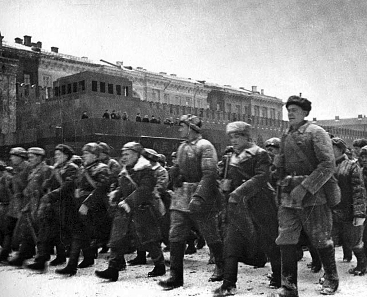 камуй: Парад 7 ноября 1941 года на Красной площади