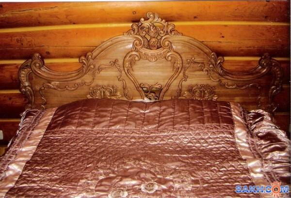 Резная спинка на кровать из дерева