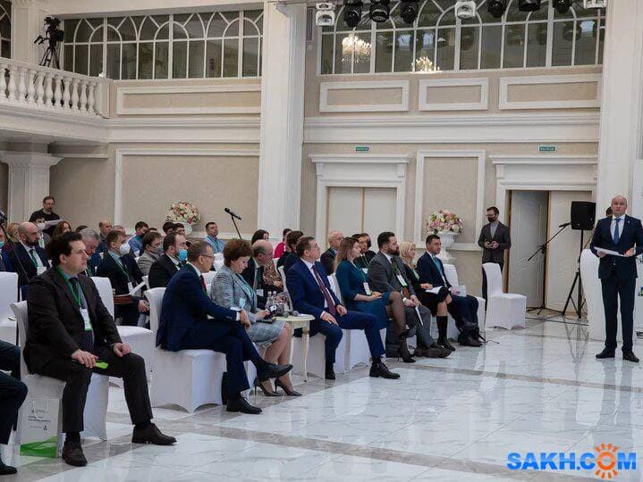 """Россельхозбанк представил программы кредитования на форуме """"Агроиндустрия. Перспективы развития"""""""