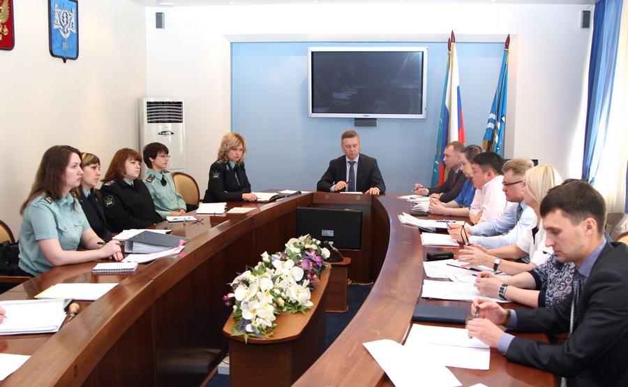 офисы банков начальник муп жэу 10 в южно-сахалинске зверев антор сегодня Русский