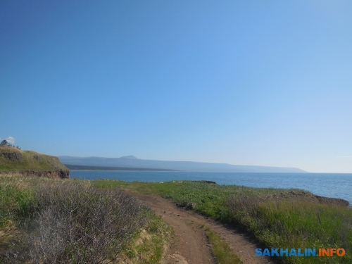 Залив Изыльметьева, гора Ичара вдали
