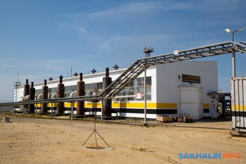 Дожимная газокомпрессорная станция— комплекс, который позволяет несжигать попутный газ, аиспользовать егодля снабжения потребителей