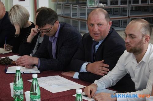 Дмитрий Пашов (в центре)