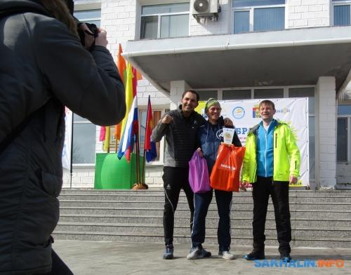 Андрей Гурский (в центре)
