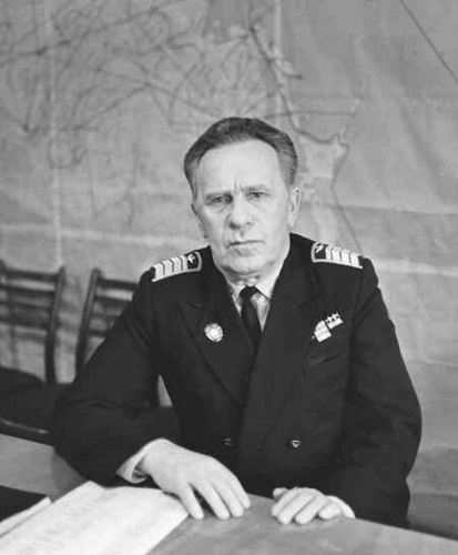 Первый командир 38-го авиатранспортного отряда (с 1947 года)  М. И. Приходовский, фото 1978 года
