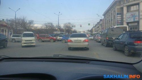 Перекресток Ленина и Сахалинской