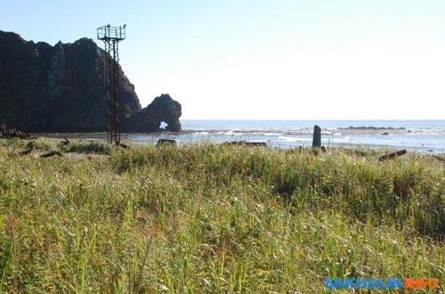 Скала «Яасатоссо» в устье Пугачевки