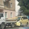 В Холмске легковой автомобиль столкнулся сгрузовиком