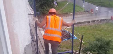 В Южно-Сахалинске снова нарушаются правила техники безопасности вовремя строительных работ