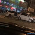 Два автомобиля столкнулись возле торгового центра вЮжно-Сахалинске