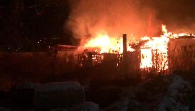 Расселенный барак сгорел вЮжно-Сахалинске