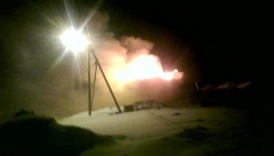 В Холмске горит расселенный дом