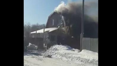 Пожарные ликвидировали возгорание жилого дома вДальнем