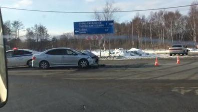 """В Троицком неподелили дорогу две""""Тойоты"""""""