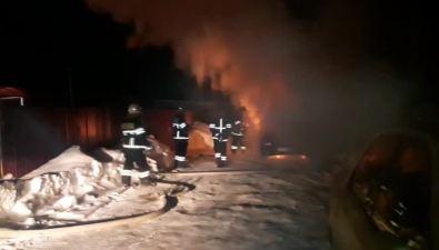 Огнеборцы ликвидировали возгорание автомобиля вАниве