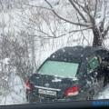 """Toyota Belta протаранила дерево на""""троицкой"""" объездной Южно-Сахалинска"""