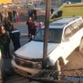 Внедорожник врезался вкрыльцо магазина наулице Железнодорожной вЮжно-Сахалинске