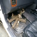 Неизвестные спрятали трисамодельных шипа вглубоких лужах надороге козеру Изменчивому