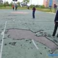 Спортивная площадка возле поронайской школы №8 нуждается времонте