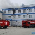 В Южно-Сахалинске горит офисное здание поулице Шлакоблочной
