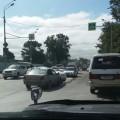 На улице Железнодорожной вЮжно-Сахалинске неподелили дорогу двеиномарки