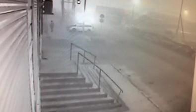 В Поронайске наперекрестке улиц Победы иВосточной столкнулись такси имикроавтобус УАЗ