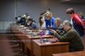 Более 20 спортсменов приняли участие воткрытом первенстве Анивского района пострельбе изпневматической винтовки среди команд инвалидов