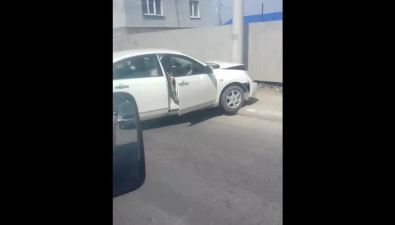 "Два белых седана лобв лобстолкнулись на""Слезе"" вЮжно-Сахалинске"