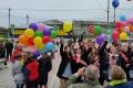 В холмском селе Правда вдень последнего школьного звонка чествуют выпускников ичетвероклассников