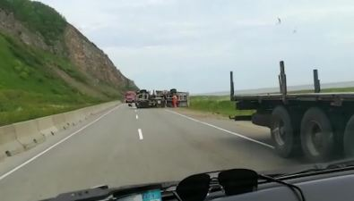 Кран-балка опрокинулась навъезде всело Заозерное Макаровского района
