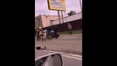 Toyota Chaser иMitsubishi Delica неподелили улицу Ленина вЮжно-Сахалинске