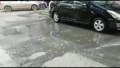 Южносахалинец помыл автомобиль водворе спомощью общедомовой воды