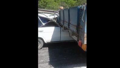 """Левый руль спас водителя """"Жигулей"""" отувечий пристолкновении сгрузовиком"""