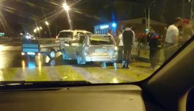 В Южно-Сахалинске трииномарки попали вночное ДТП