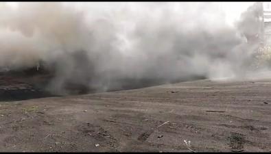 В Поронайске горит магазин-склад строительных материалов