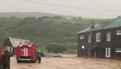 По Северо-Курильску текут грязные реки