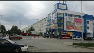 """В Южно-Сахалинске """"заминировали"""" сразу несколько торговых центров, мэрию, правительство ивокзал"""