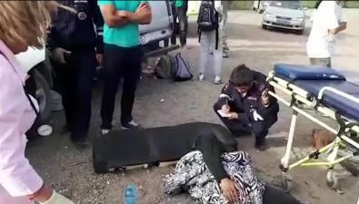 В сеть попало видео последствий столкновения Mitsubishi L200 иNissan Qashqai вКорсаковском районе