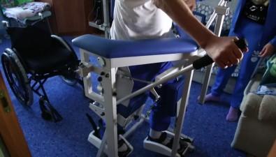 Фонд социального страхования обеспечил инвалида изЮжно-Сахалинска современным аппаратом дляимитации ходьбы