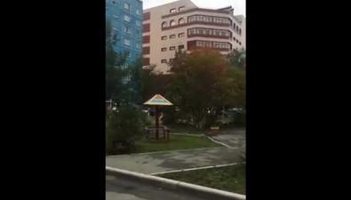 Шумный генератор торгово-офисного центра мешает жильцам спального микрорайона Южно-Сахалинска