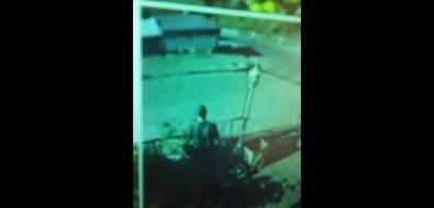 В Холмске неизвестный ударил ребенка ипопытался забрать еготелефон