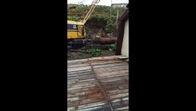 Чистившие ливневки холмские железнодорожники сбросили грязь имусор натерриторию хозяйства индивидуального предпринимателя