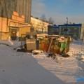 Жители Охижалуются напереполненные мусорные контейнеры водворах