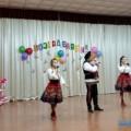 Жительницы холмского села Правда коДню матери получили символические медали имузыкальный привет отневельчан